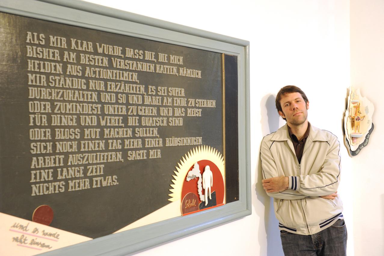 Abendblatt Fotograf Andreas Laible 1. Termin am 7.Mai 2010, 10:50: Kuenstler Thorsten Passfeld, Vorbereitung seiner Ausstellung i.d. Galerie Levy Osterfeldstrasse 6