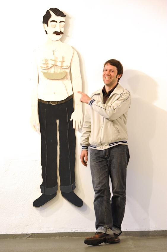 Abendblatt Fotograf Andreas Laible 1. Termin am 7.Mai 2010, 10:51: Kuenstler Thorsten Passfeld, Vorbereitung seiner Ausstellung i.d. Galerie Levy Osterfeldstrasse 6