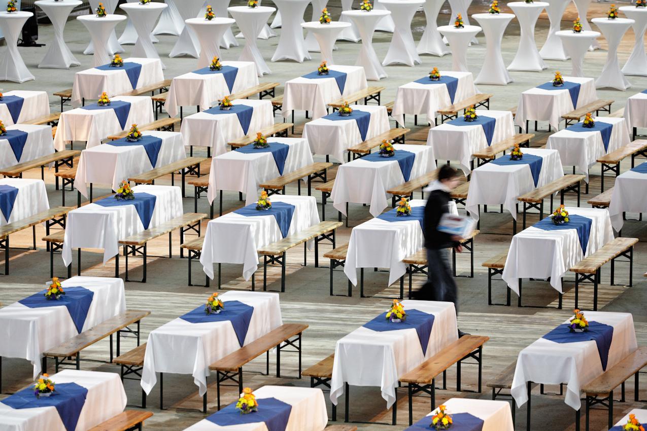 7 Mai 2010. Grosseinsatz f?r die Catering-Firma Widynski und Roick beim Richtfest des Flughafens Berlin Brandenburg International in Schoenefeld.