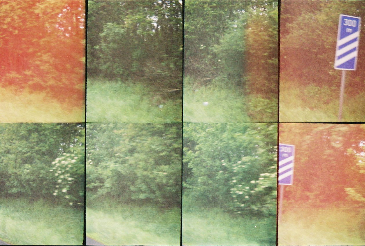 Ein Roadmovie in 8 Bildern - zweieinhalb Sekunden Deutschland: In 300 Metern bietet ein Rastplatz die willkommende Gelegentheit, unsere eintoenige Fahrt auf der Autobahn zu unterbrechen.   HINWEIS: Dies ist ein Layoutscan - hochaufgeloeste Feindaten auf Anfrage. Analoge Charakteristik ist beabsichtigt. Lomografie mit Oktomat (8-fach Bild).