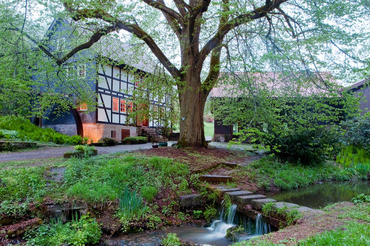 Es klappert die Mühle am rauschenden Bach: Die Ilmesmühle im osthessischen Haunetal.