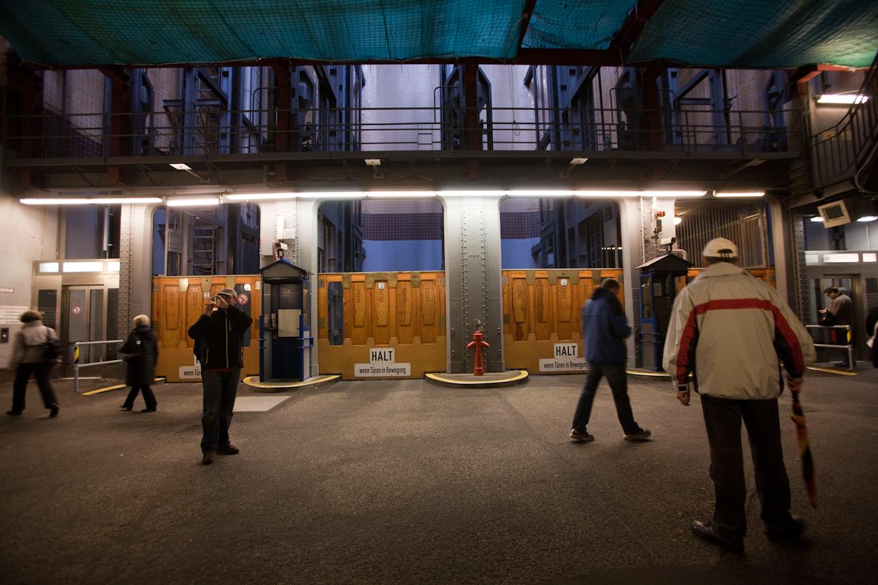 Germany, Deutschland, Hamburg, Hamburger Hafen, Sankt Pauli, Hafengeburtstag 2010,  07,05,2010, im alten Elbtunnel, Fahrstuehle fuer Pkw,