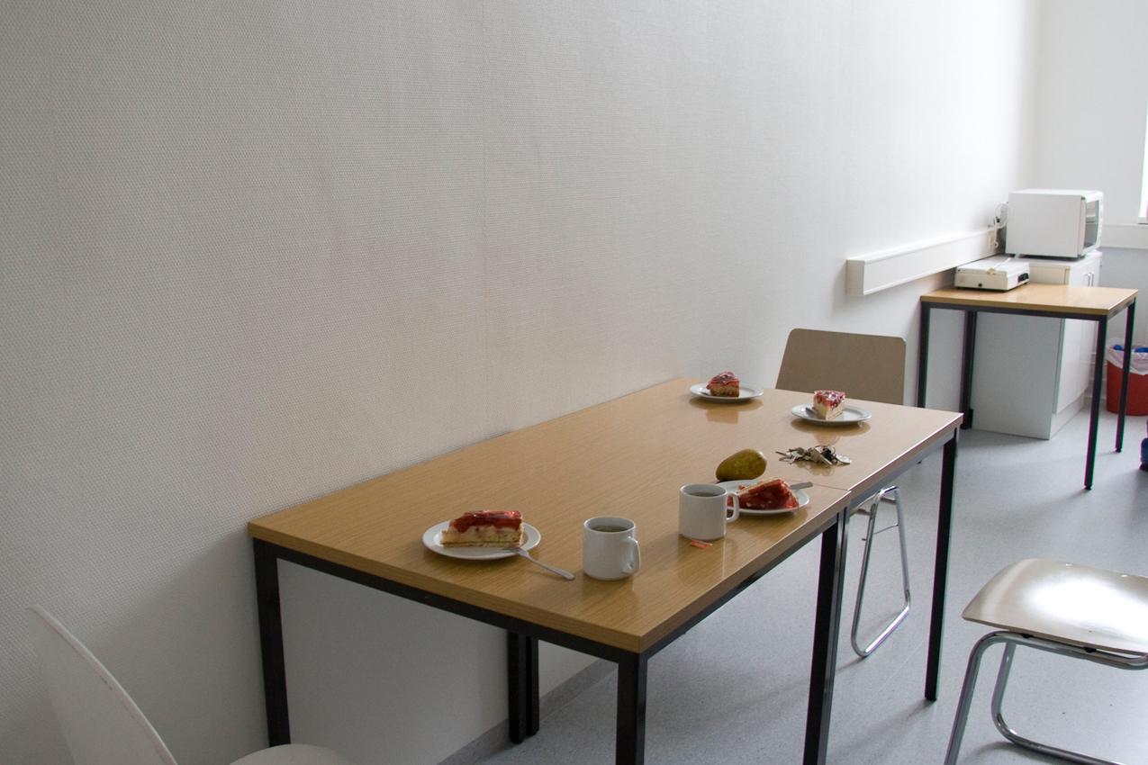 Freitagnachmittags-Kaffeetisch im Institut für Geschichte und Ethik der Medizin (Martinistraße 52, 20246 Hamburg).