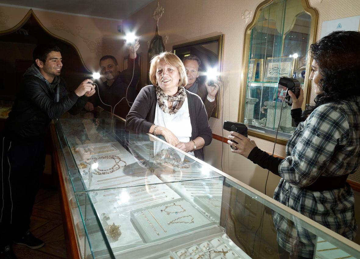 Türkan Özger führt mit Ihrem Mann Bilal (nicht im Bild) das Juweliergeschäft Hazal & Baran.